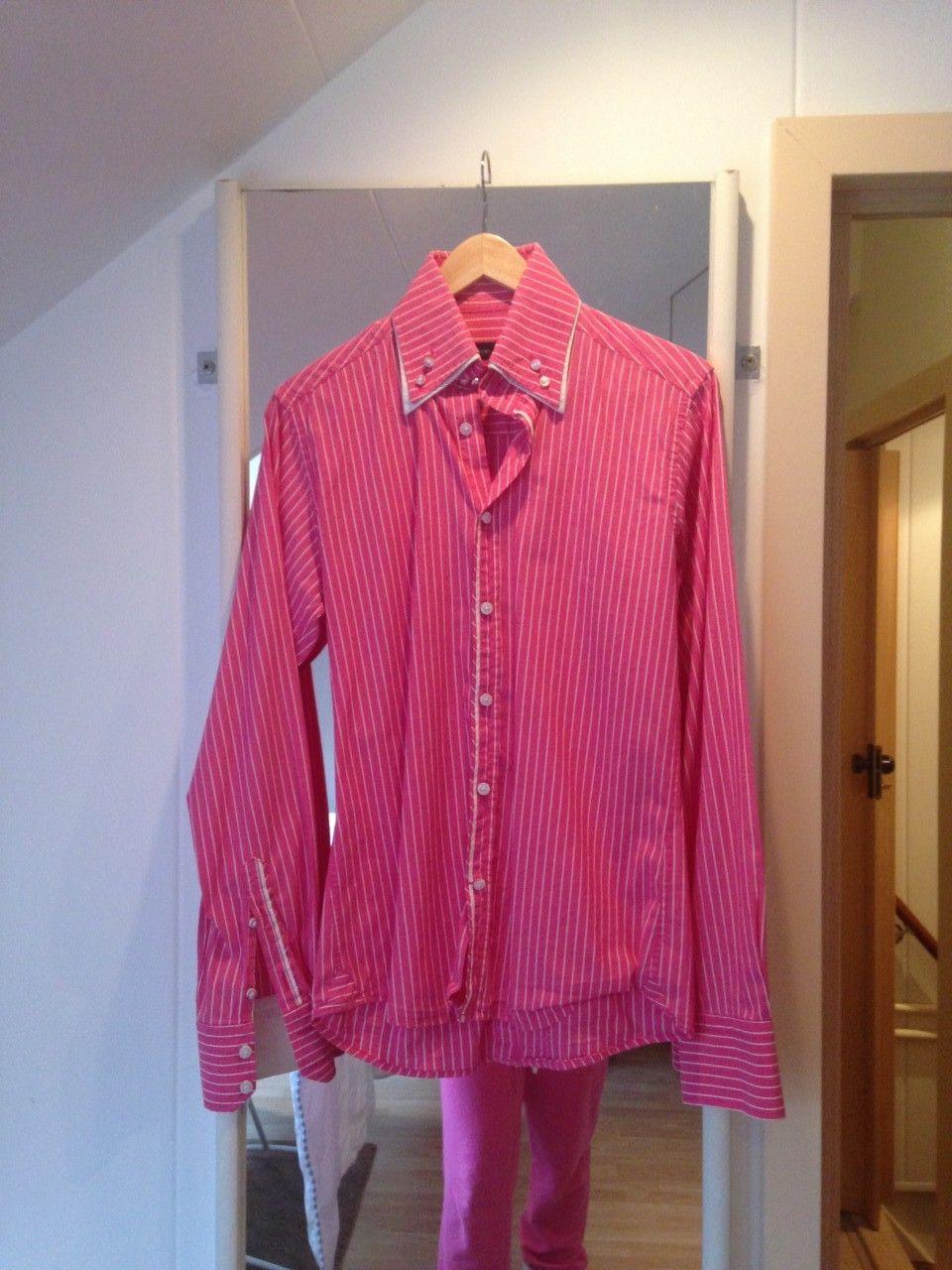 overhemd op hanger